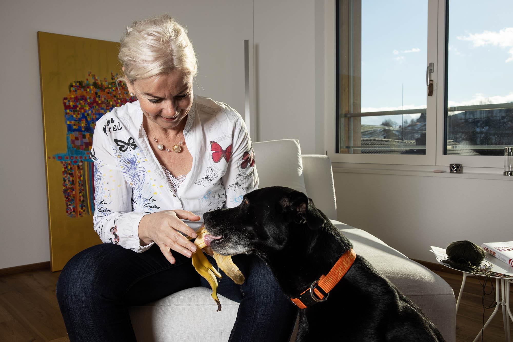 Patientin mit Hund; Kliniken Valens